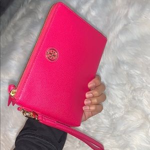 Tory Burch Robinson Clutch Large Wristlet